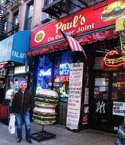 Comer hamburguesa en Nueva York en Pauls Burguer - Tusguiasdeviaje