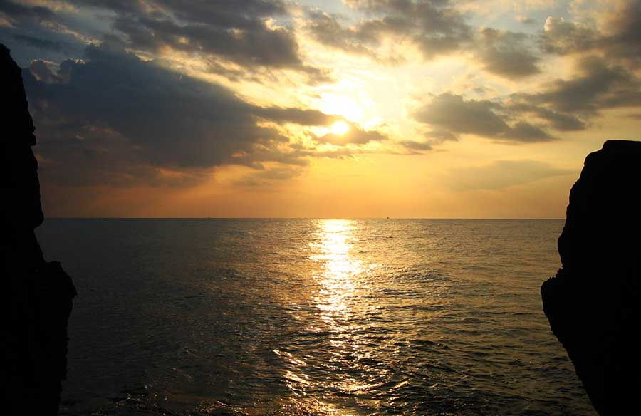 Puesta de Sol en Sicilia - Cefalu - Tusguiasdeviaje