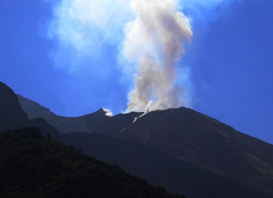 Erupcion de volcan stromboli en sicilia - Tusguiasdeviaje