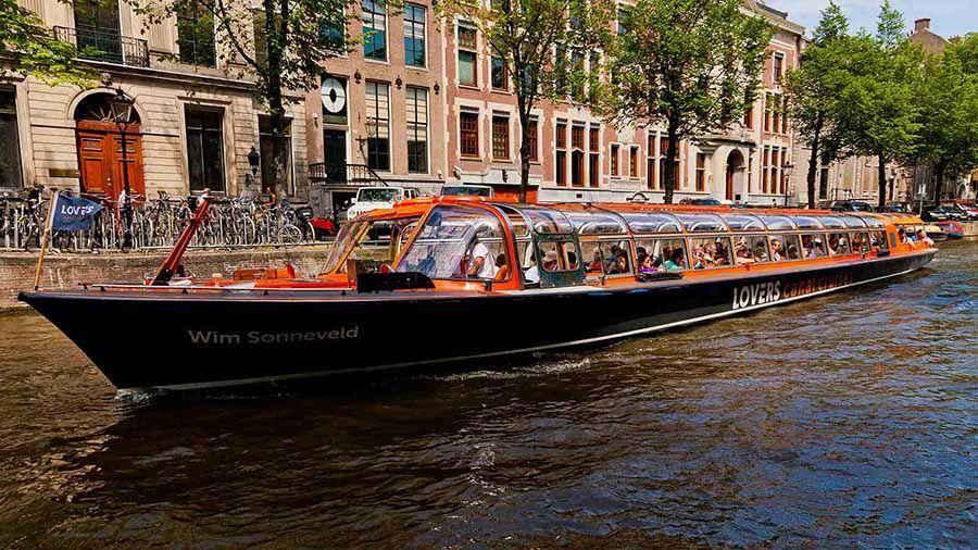 Recorrer los canales de Amsterdam en barco - Tusguiasdeviaje