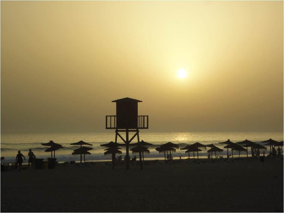 Turismo en Cádiz - Puesta de Sol en Zahara de los Atunes