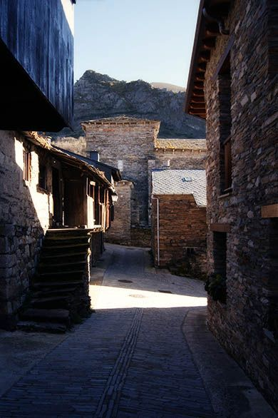 08 - Calles de Peñalba