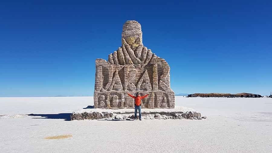 Turismo en Bolivia - Salar de Uyuni monumento al Dakar