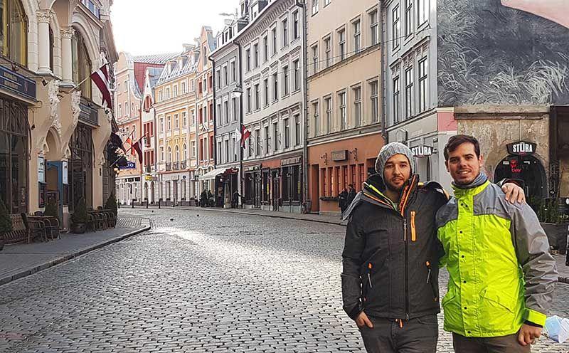 Plaza de los tres hermanos en Riga