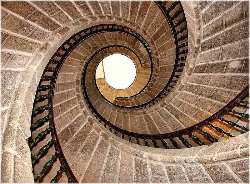 10 - Escalera de caracol
