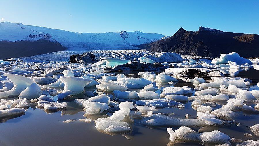 Tempanos de hielo en Islandia Diamond Beach