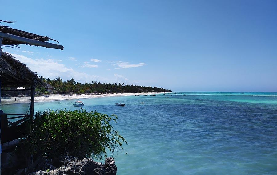 Agua turquesa en Zanzibar